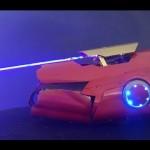 Homem cria luva do Homem de Ferro que dispara lasers