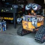 Homem cria réplica perfeita de Wall-E