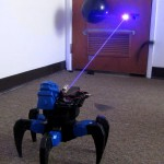 Um robô aranha que dispara lasers, o que poderia dar errado?