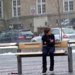Essa é a reação dos noruegueses ao verem uma criança passando frio