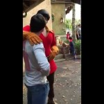 Nunca desafie o Gaston para uma disputa de flexões