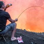 Sua vida nunca estará completa, se você não tostar uns Marshmallows na boca de um vulcão