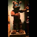 O urso de Five Nights at Freddy's na vida real também me faria sujar as calças